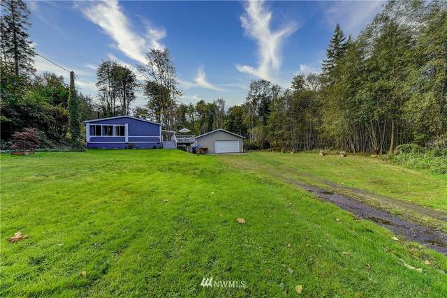 1490 Lake Drive, Camano Island, WA 98282 (#1678997) :: The Shiflett Group
