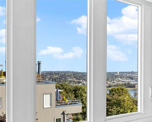 1800 Taylor Avenue N #304, Seattle, WA 98109 (#1679197) :: McAuley Homes