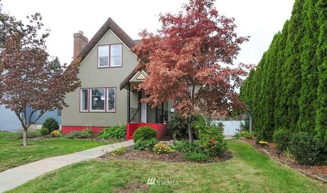 704 Yakima Street, Wenatchee, WA 98801 (#1679690) :: Mike & Sandi Nelson Real Estate