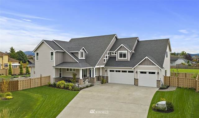 3240 Meadow Park Avenue, Enumclaw, WA 98022 (#1679836) :: Hauer Home Team