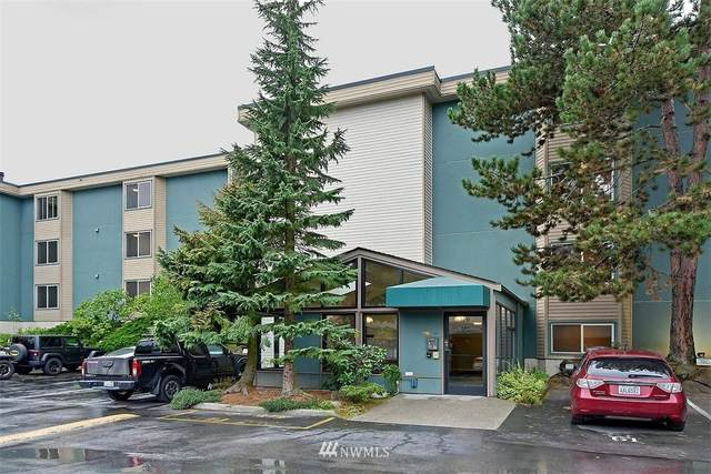2210 NE 92nd Street #303, Seattle, WA 98115 (#1679942) :: NW Home Experts