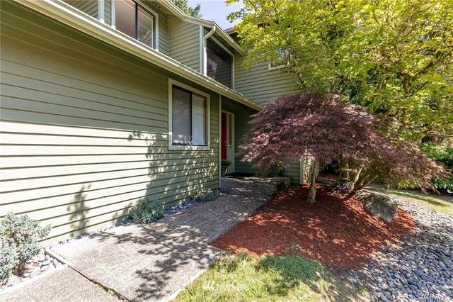 24203 SE 43rd Place, Issaquah, WA 98029 (#1680044) :: The Robinett Group