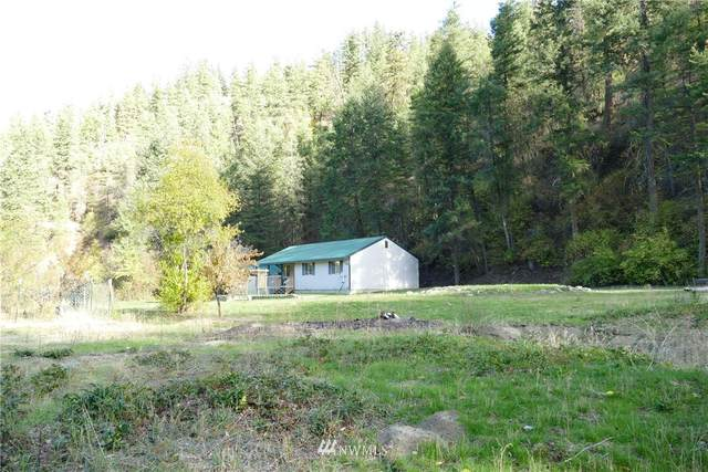 1915 Mission Creek Road, Cashmere, WA 98815 (#1680104) :: The Robinett Group