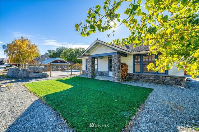 704 E Woodin Ave, Chelan, WA 98816 (#1680330) :: Ben Kinney Real Estate Team