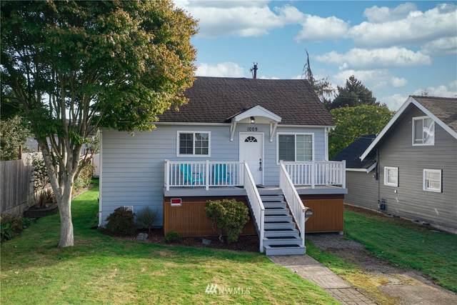 1009 Oakes Avenue, Everett, WA 98201 (#1681327) :: Beach & Blvd Real Estate Group