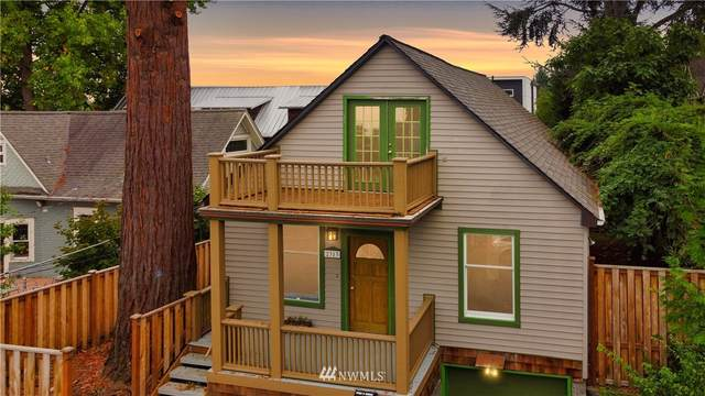 2313 E Olive Street, Seattle, WA 98122 (#1681422) :: Beach & Blvd Real Estate Group