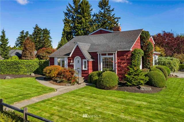 303 18th Street NW, Puyallup, WA 98371 (#1681424) :: Northwest Home Team Realty, LLC