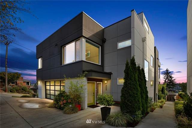 3055 25th Avenue W, Seattle, WA 98199 (#1681614) :: NW Home Experts