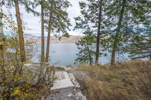 13389 S Lakeshore Road, Chelan, WA 98816 (#1681619) :: NW Home Experts