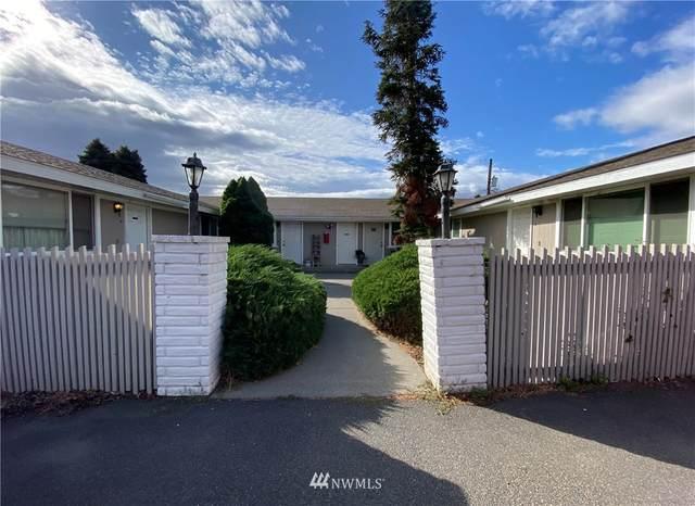 4902 W Chestnut Avenue, Yakima, WA 98908 (#1681795) :: Hauer Home Team