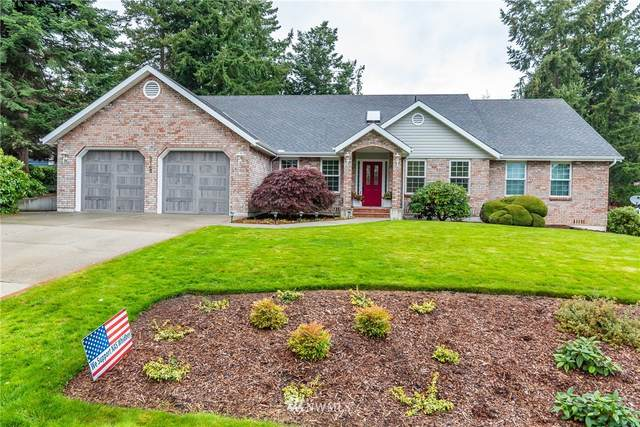 2145 Fairway Lane, Oak Harbor, WA 98277 (#1681989) :: Ben Kinney Real Estate Team