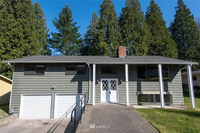 8306 140th Avenue NE, Redmond, WA 98052 (#1682152) :: Pickett Street Properties