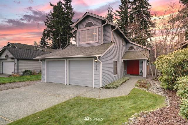 3913 242nd Avenue SE, Sammamish, WA 98029 (#1682483) :: The Robinett Group