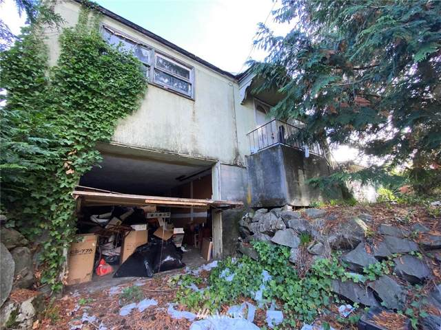 5026 48th Avenue S, Seattle, WA 98118 (#1682822) :: Priority One Realty Inc.