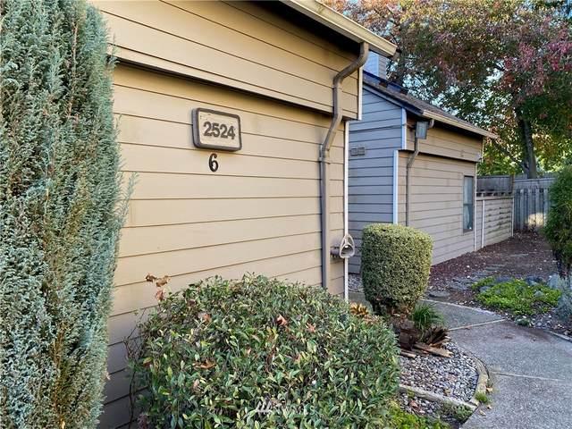 2524 S 317th Street #302, Federal Way, WA 98003 (#1683417) :: Mike & Sandi Nelson Real Estate