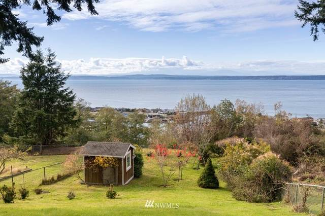 3586 Marine View Drive, Greenbank, WA 98253 (#1683579) :: The Robinett Group