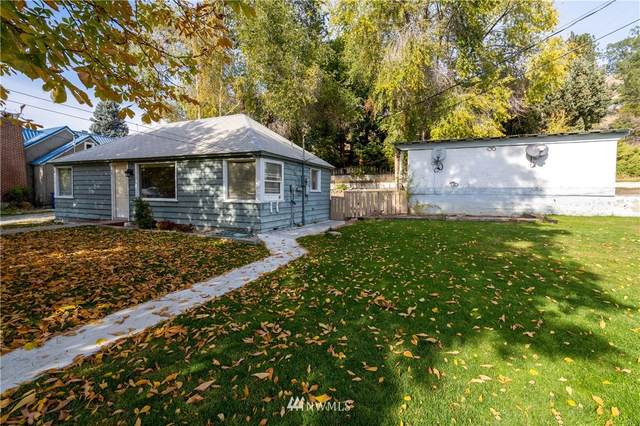 131 E Gibson Avenue, Chelan, WA 98816 (#1683605) :: NW Home Experts