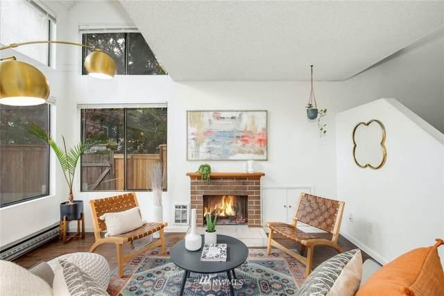 8406 26th Avenue SW B, Seattle, WA 98106 (#1683680) :: The Robinett Group