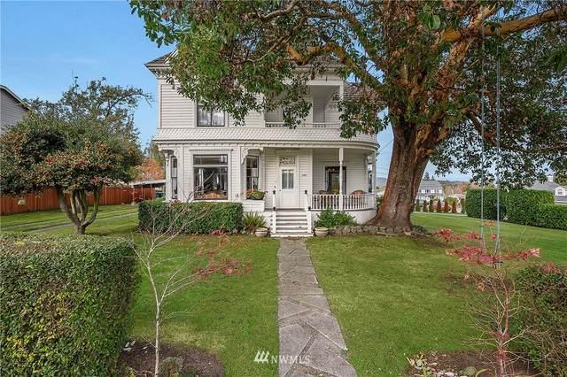 1304 32nd Street, Anacortes, WA 98221 (#1683936) :: Mike & Sandi Nelson Real Estate