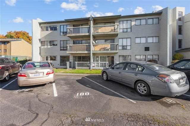15154 65th Avenue S #901, Tukwila, WA 98188 (#1685753) :: Engel & Völkers Federal Way