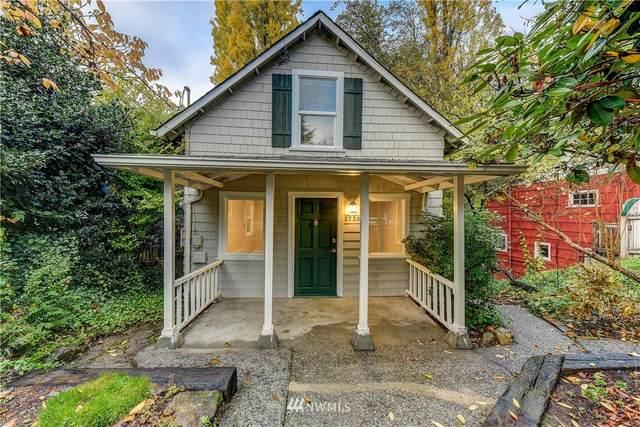 2720 NE 92nd Street, Seattle, WA 98115 (#1686240) :: NextHome South Sound