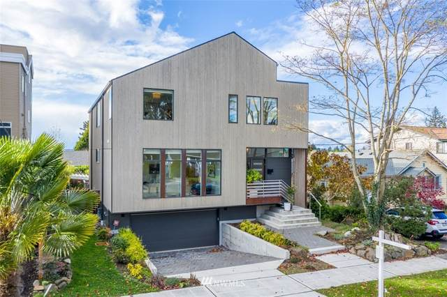 3211 40th Avenue W, Seattle, WA 98199 (#1686427) :: Lucas Pinto Real Estate Group