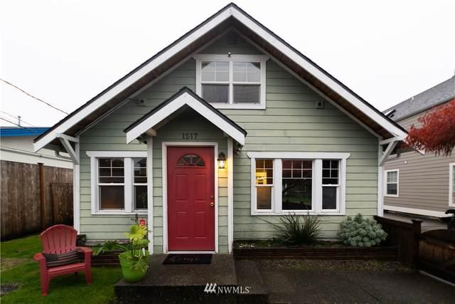 1517 Mchugh Avenue, Enumclaw, WA 98022 (#1686944) :: Priority One Realty Inc.