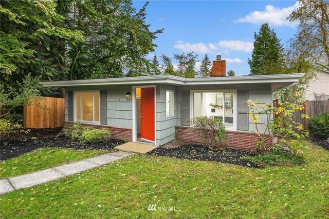 13013 37th Avenue NE, Seattle, WA 98125 (#1687432) :: The Robinett Group