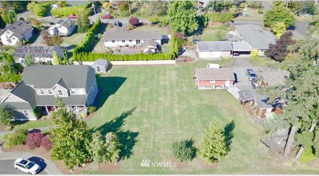 3709 E Connecticut Street, Bellingham, WA 98226 (#1687754) :: The Robinett Group