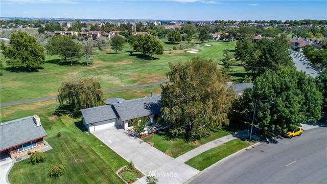 1990 Greenbrook Boulevard, Richland, WA 99352 (#1688988) :: The Robinett Group