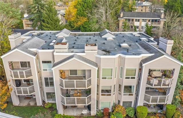 10832 NE 68th Street A8, Kirkland, WA 98033 (#1689728) :: TRI STAR Team | RE/MAX NW