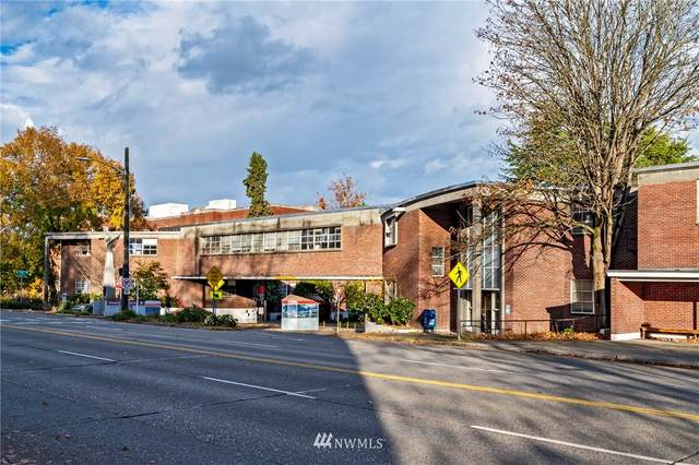 7323 Sand Point Way NE #308, Seattle, WA 98115 (#1689759) :: Lucas Pinto Real Estate Group