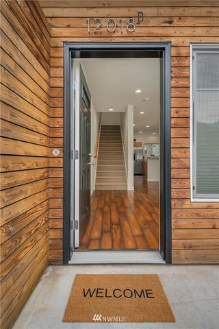 12018 32nd Avenue NE, Seattle, WA 98125 (#1690111) :: Lucas Pinto Real Estate Group
