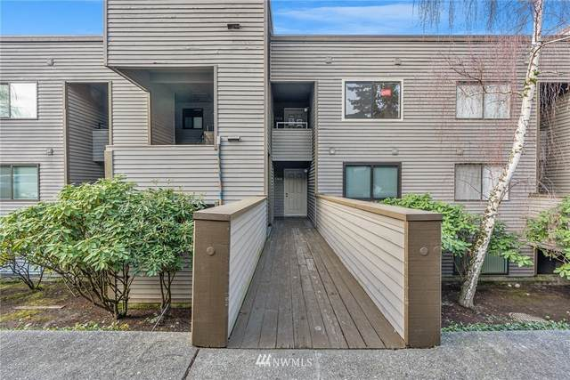 4893 76th Street SW E401, Mukilteo, WA 98275 (#1690187) :: The Torset Group