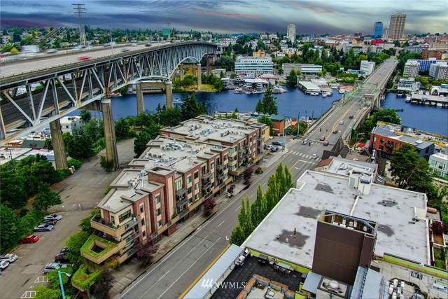 3217 Eastlake Avenue E #302, Seattle, WA 98102 (#1692028) :: Keller Williams Realty