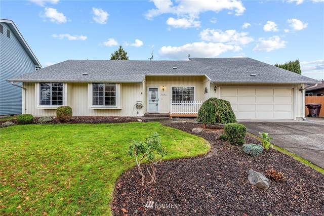 5661 Finch Drive, Longview, WA 98632 (#1693312) :: TRI STAR Team | RE/MAX NW