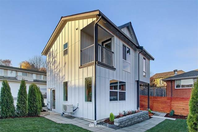 2823 21st Avenue W B, Seattle, WA 98199 (#1693578) :: TRI STAR Team | RE/MAX NW