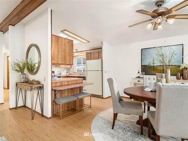 17229 119th Avenue NE, Bothell, WA 98011 (#1694106) :: M4 Real Estate Group