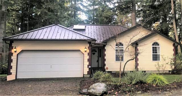 12012 Country Club Drive, Anderson Island, WA 98303 (#1695056) :: Capstone Ventures Inc