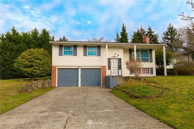 1004 159th Place SE, Bellevue, WA 98008 (MLS #1695168) :: Community Real Estate Group