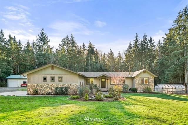396 Russell Road, Camano Island, WA 98282 (#1696034) :: Ben Kinney Real Estate Team