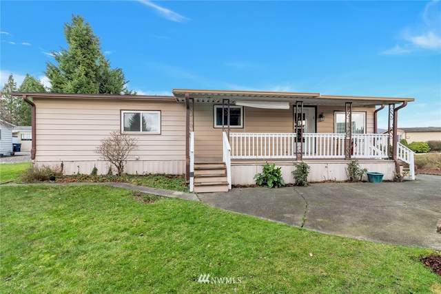 1277 Cedar Drive, Enumclaw, WA 98022 (#1698316) :: The Snow Group