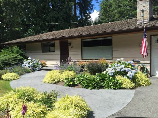 622 NE Surfcrest Avenue, Poulsbo, WA 98370 (#1698504) :: Better Properties Real Estate