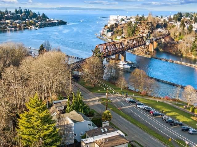 3363 W Commodore Way, Seattle, WA 98199 (#1711169) :: Alchemy Real Estate