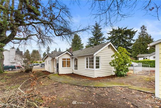 11801 14th Avenue SW, Burien, WA 98146 (#1711485) :: Shook Home Group