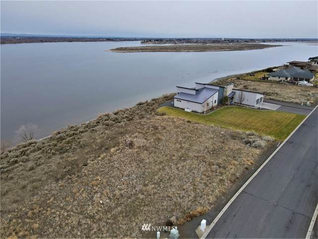 7561 Dune Lake Rd Se Road SE, Moses Lake, WA 98837 (#1714623) :: Tribeca NW Real Estate