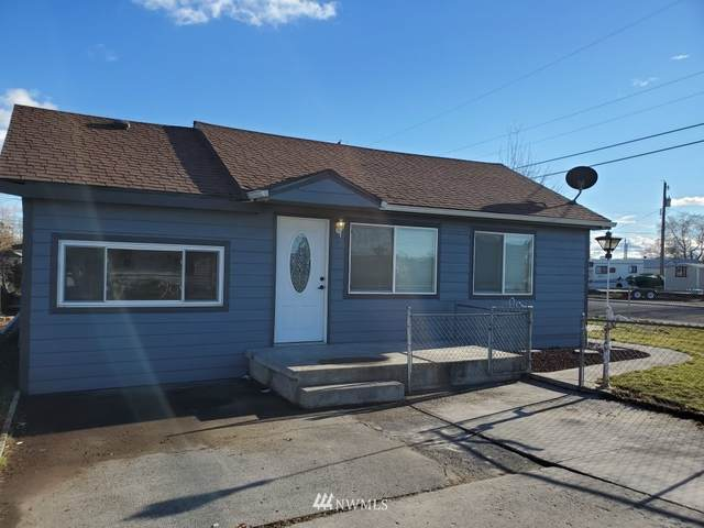 2141 W Neppel, Moses Lake, WA 98837 (#1714975) :: Shook Home Group