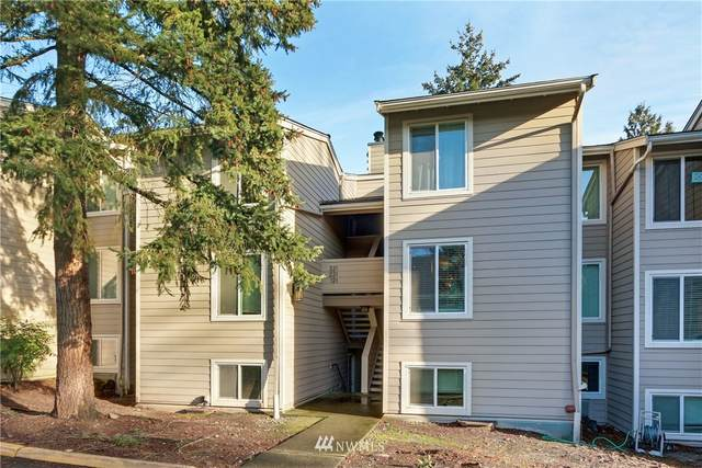 19851 25th Avenue NE #321, Shoreline, WA 98155 (MLS #1714981) :: Community Real Estate Group
