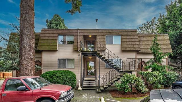 7217 NE 175th Street #207, Kenmore, WA 98028 (#1715767) :: Capstone Ventures Inc