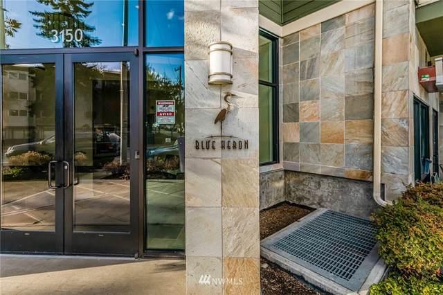 3150 W Government Way #408, Seattle, WA 98199 (#1715795) :: Ben Kinney Real Estate Team